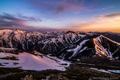 残雪の北アルプス 朝