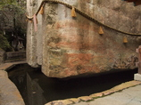 生石神社 石乃宝殿 池中に浮く 高砂