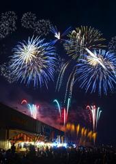 須賀川に咲く花火