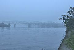 濃霧注意報の朝