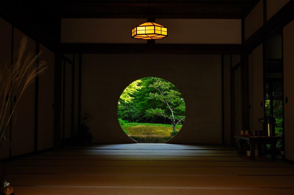 神無月の円窓…1