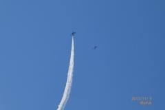 13:57上空を頭上をキター(°▽°)街も大歓声〜向かってくる前を撮れた!