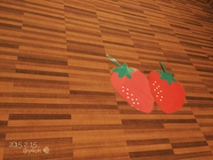 #いちごの日 〜壁に巨大苺〜15の日〜久しぶりのiPhone5sから