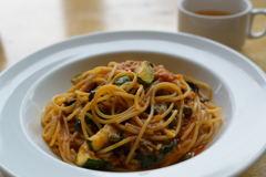 しらすとズッキーニのプッタネスカ スパゲティーニ