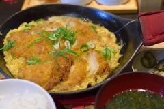 チキンカツ玉子とじ定食