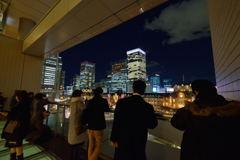 東京駅を撮る人々