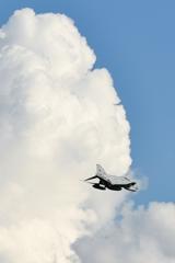 ファントムと大きな雲
