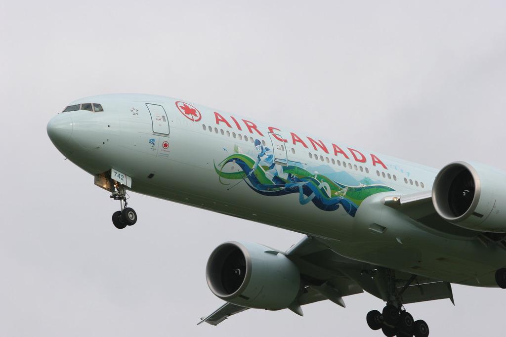 Air Canada Boeing 777-333/ER