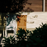 VOIGTLANDER Bessa-R2Mで撮影した風景(恵比寿の椅子)の写真(画像)