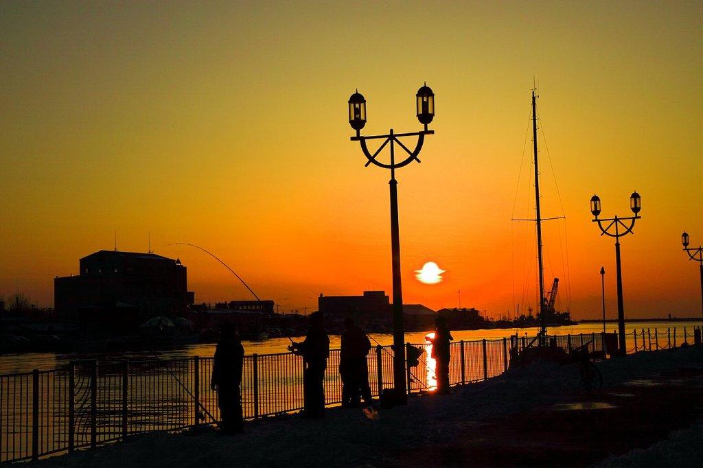釣り人と夕陽
