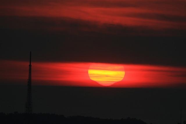 変形夕陽着水!