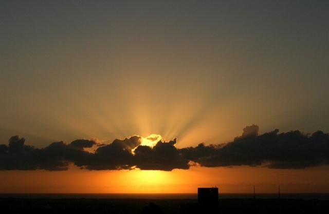 夕陽の光芒