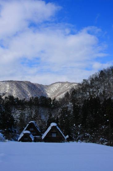 雪の白川郷 2