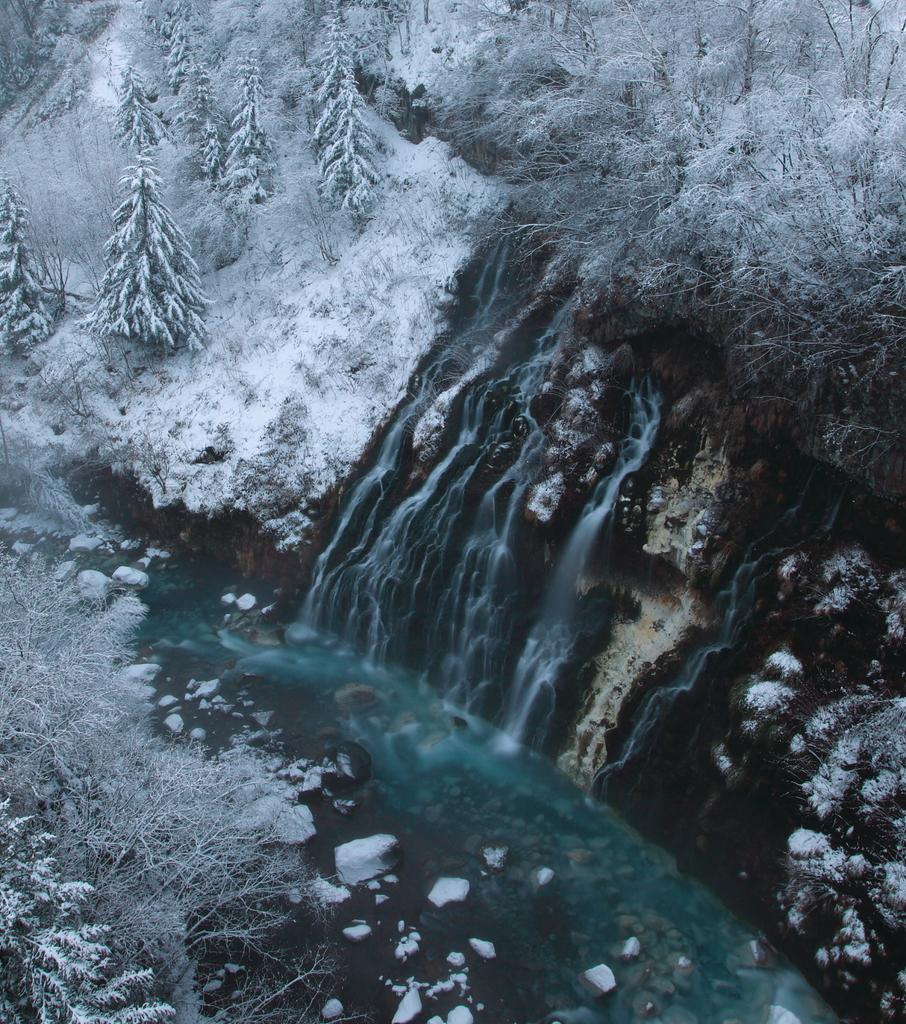 美瑛 しろひげの滝