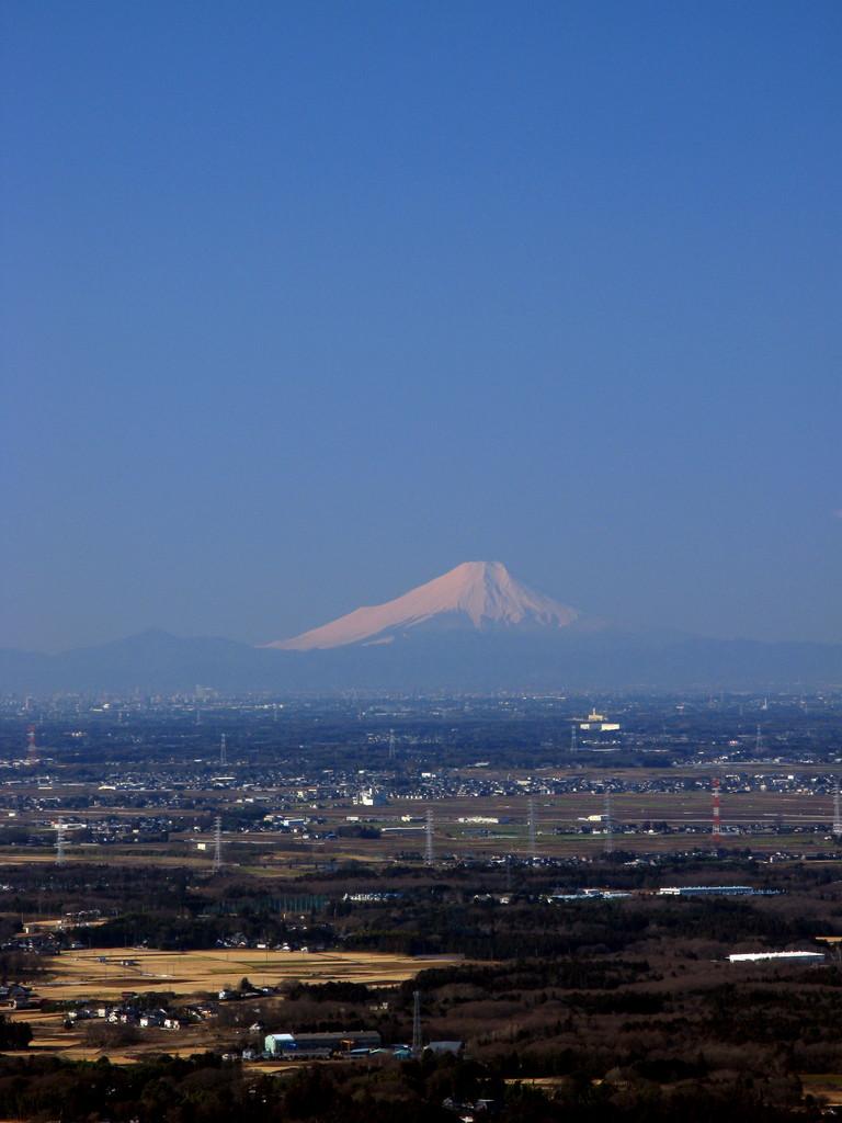 遥か彼方の富士山