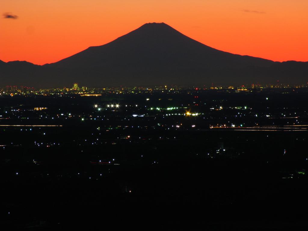 156Km先の富士山