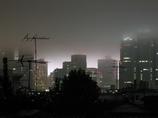 雨に煙る夜