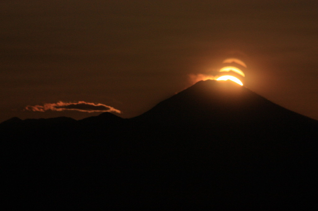 富士に落ちる日