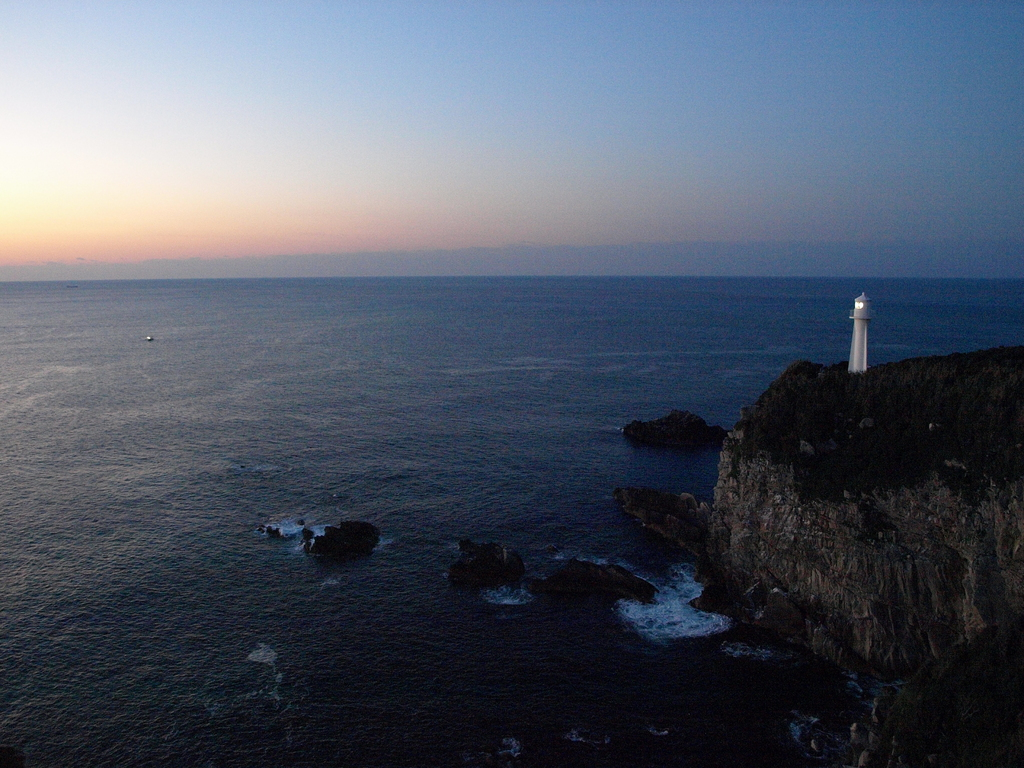 朝ですよ。足摺岬ですよ。
