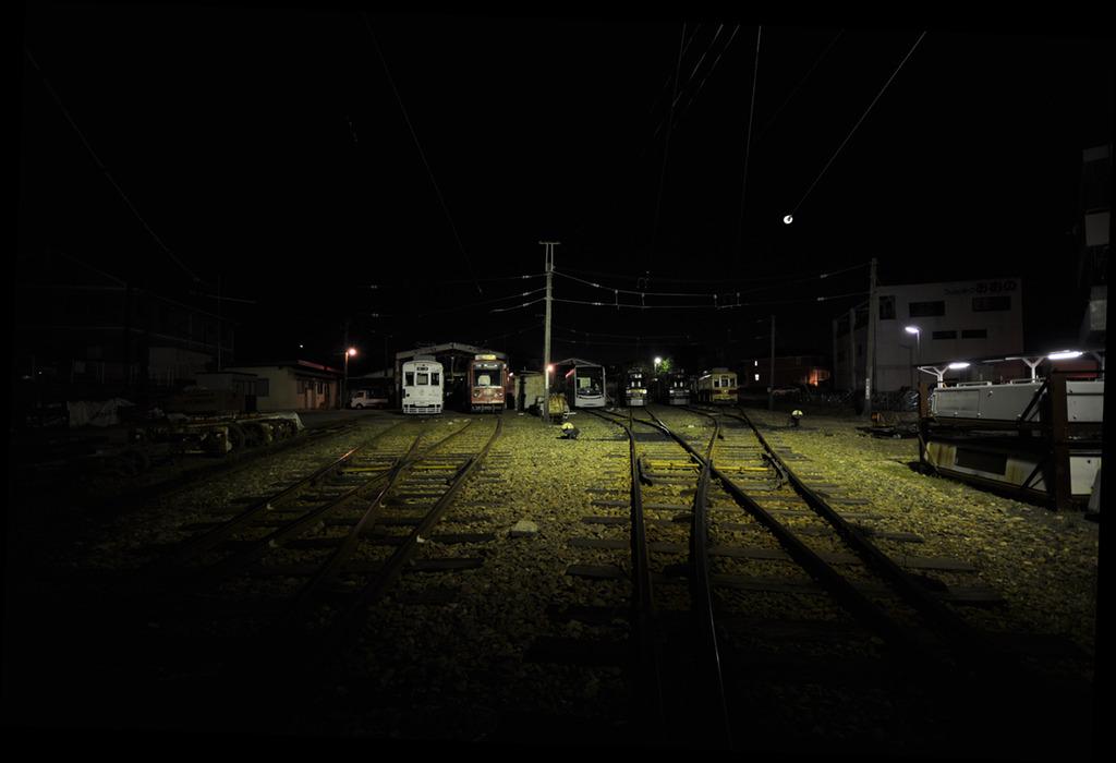 眠れる電車たち
