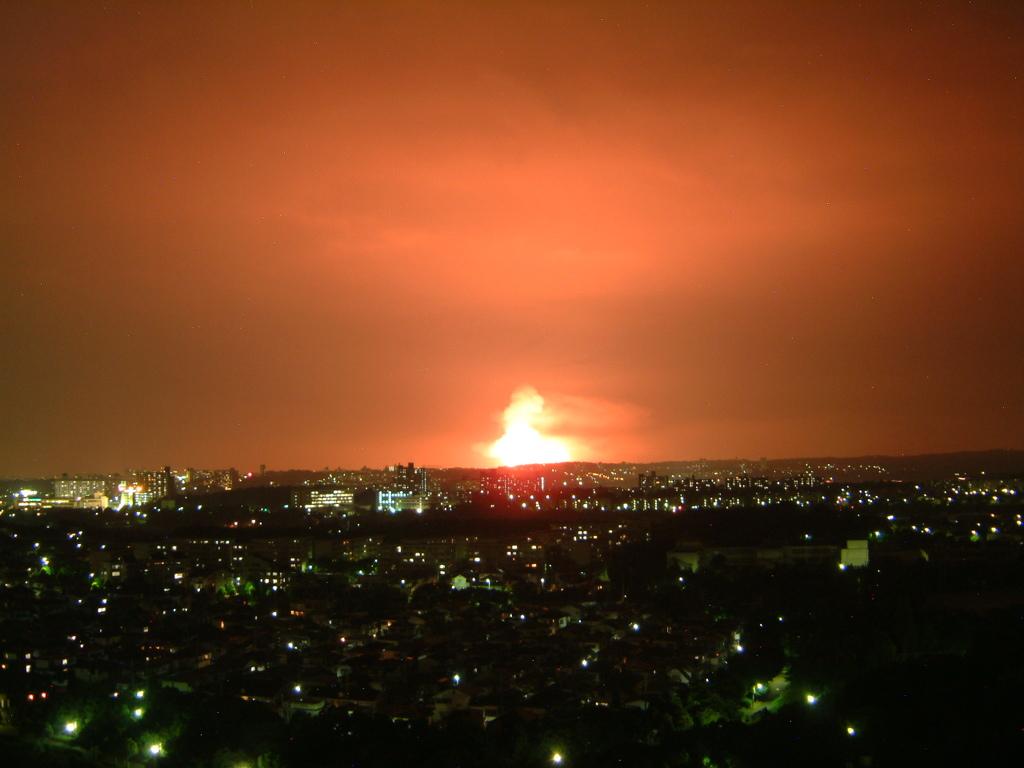 爆発???