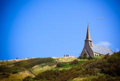 崖の上の教会
