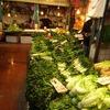 香港の食材市場ビル(野菜のフロア)