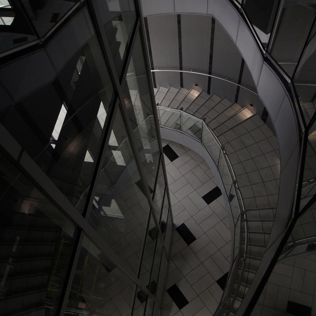 螺旋階段好き