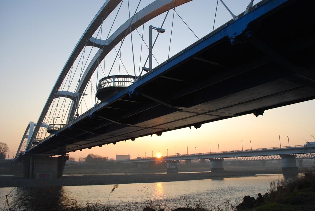 朝のあゆみ橋