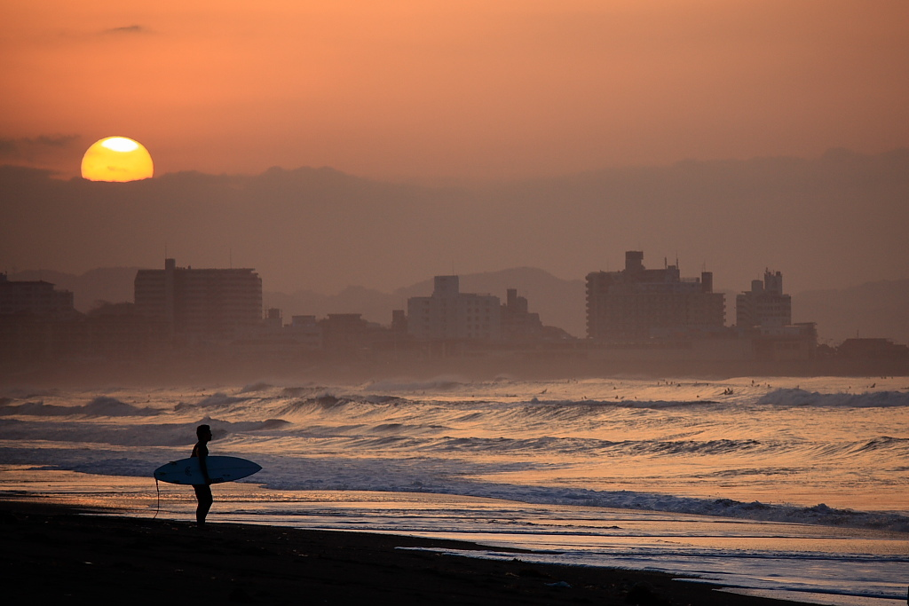 サーファーの朝は早い