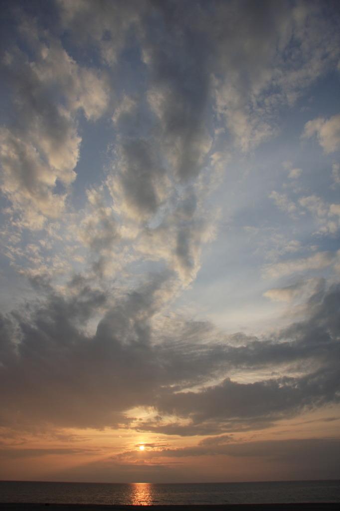 空・雲・陽・海