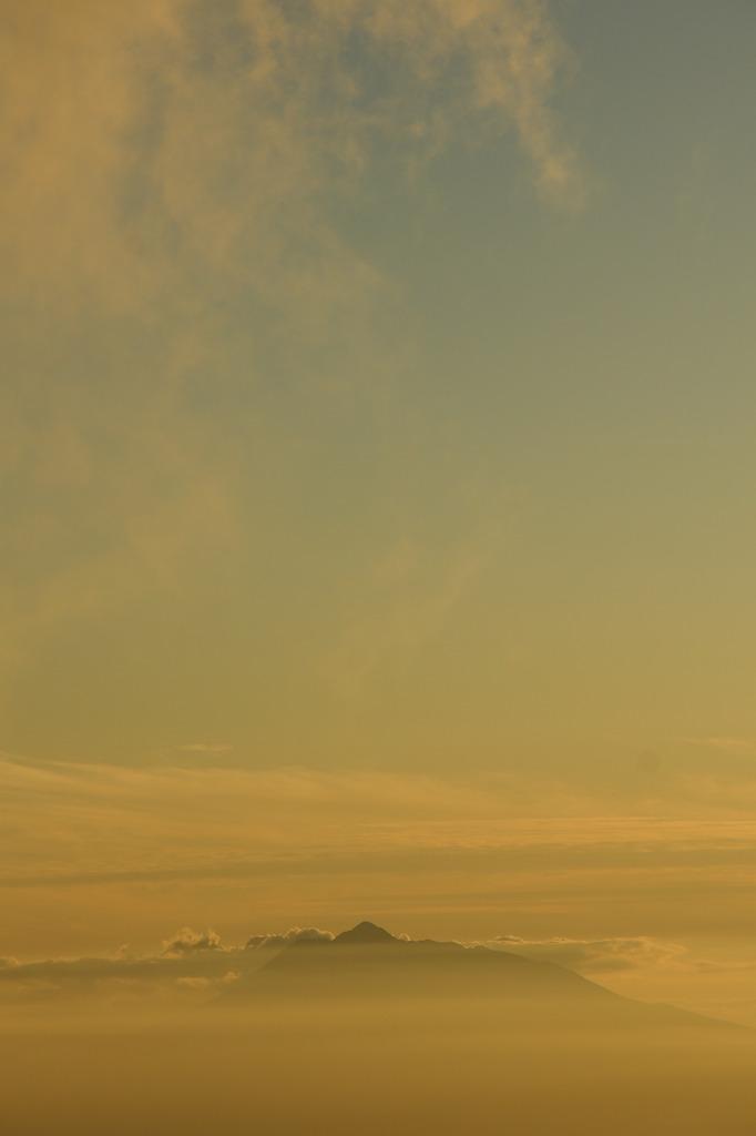 津軽富士遠景