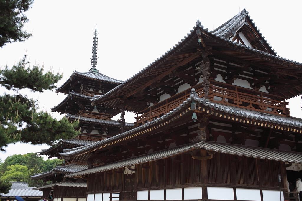 法隆寺 金堂と五重塔