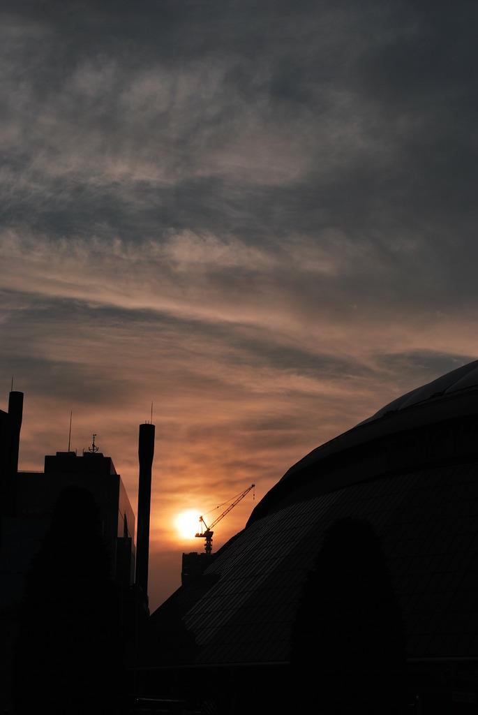 BIG EGGに沈む夕陽