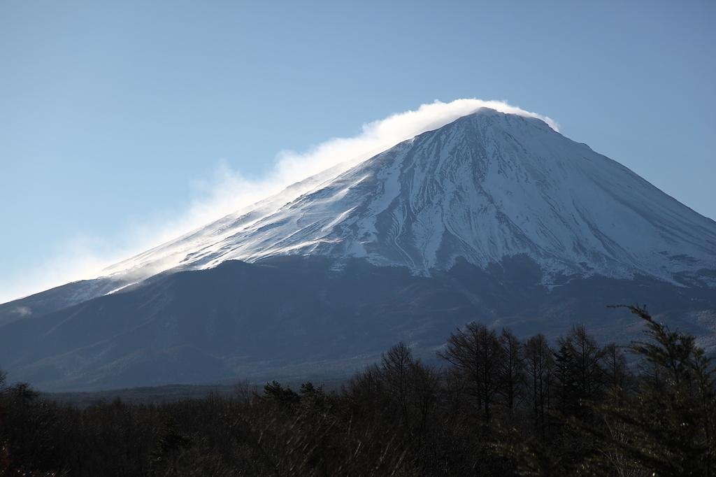 荒れる富士