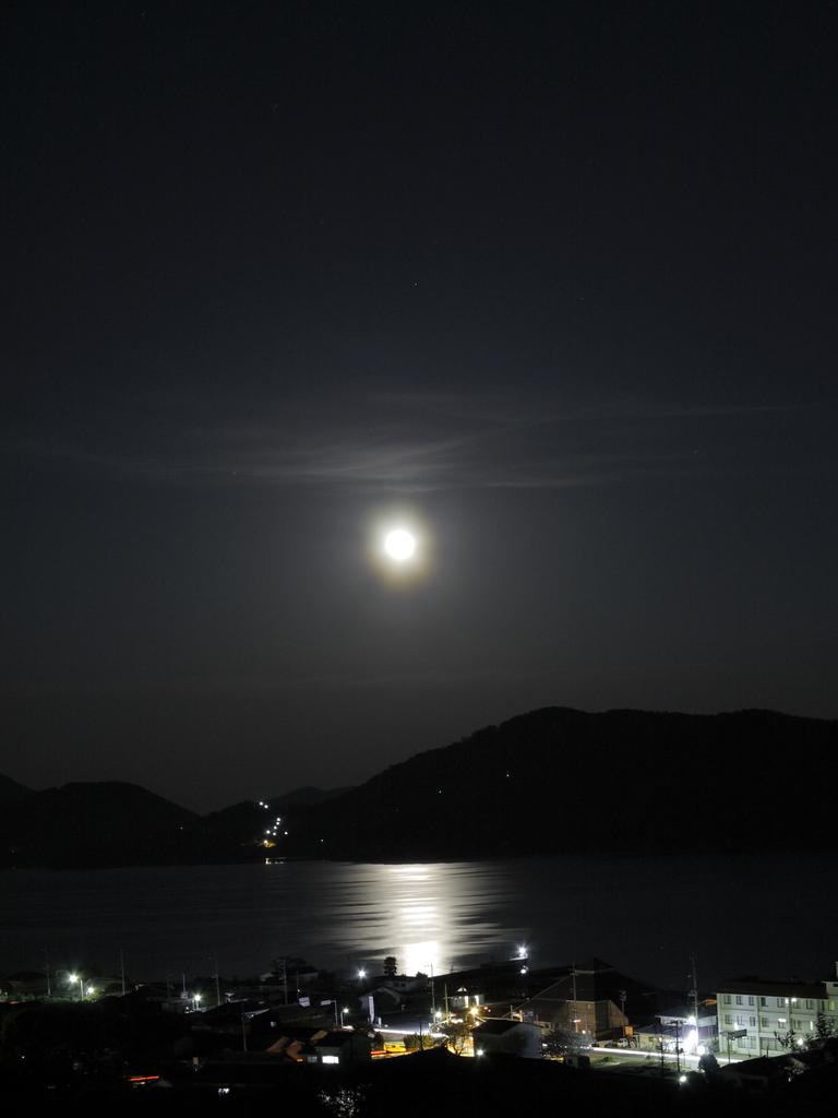 瀬戸の月夜