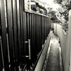 NIKON NIKON D300で撮影した風景(極細路地)の写真(画像)