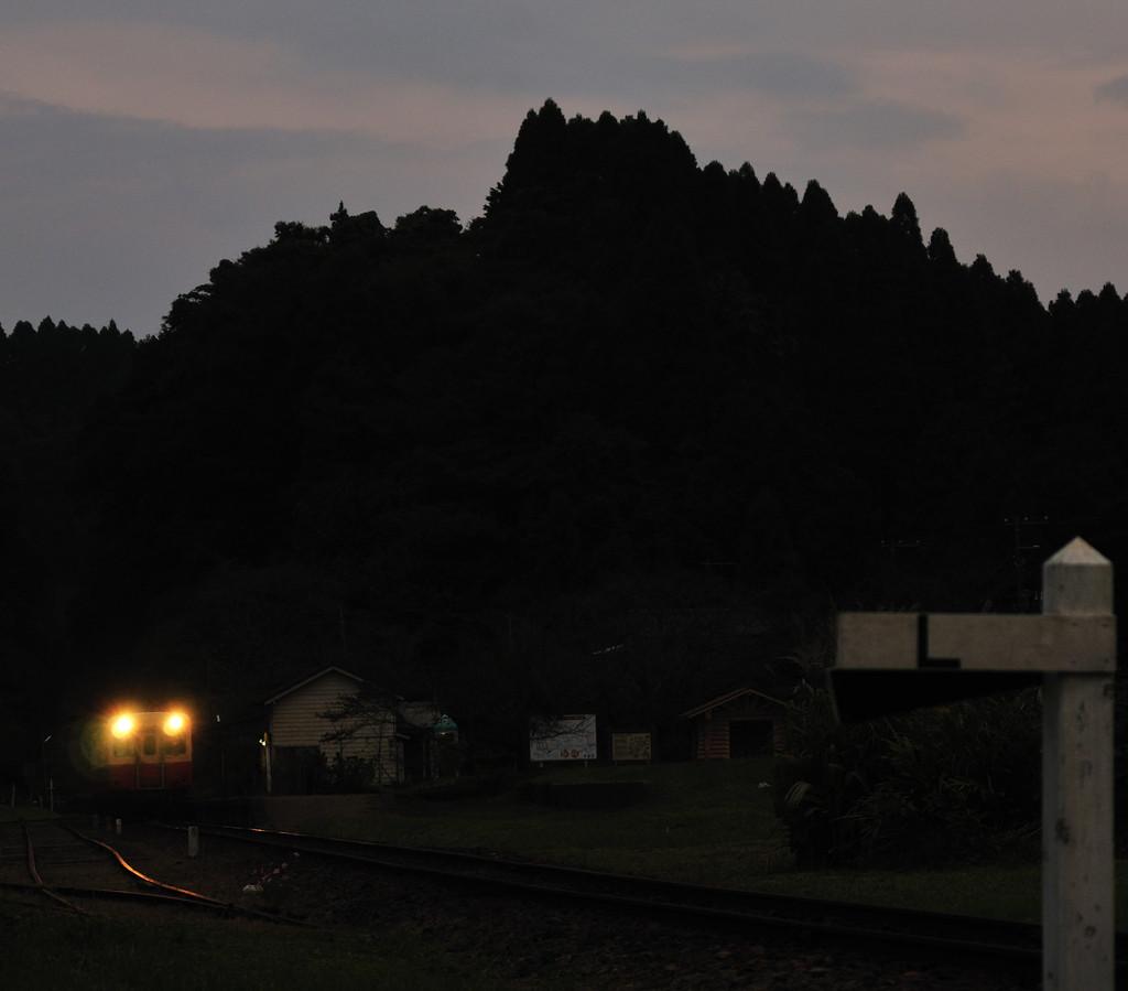 山間の小駅
