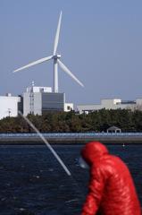 風車と釣り人