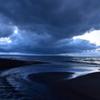 曇天空の袰部川