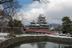 雪の松本城③