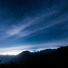 夜景と星空