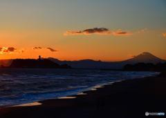 黄昏の江ノ島・富士山