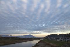 波状雲と岩手山