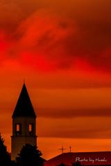 赤い屋根と赤い空