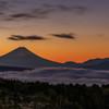 霧ケ峰高原の夜明け