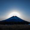 昇るダイヤモンド富士