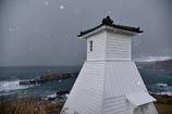 鉛色の空は雪を連れてきた