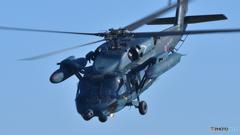 グッ!と前傾。UH-60J