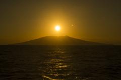 日、没する三宅島